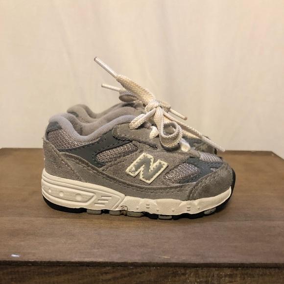 on sale 19fa3 71c03 New Balance 993 Sneakers